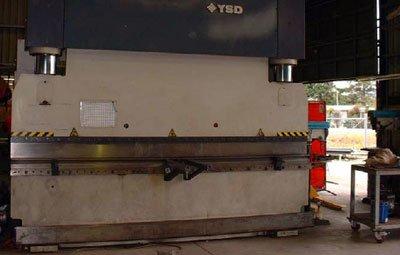 250 tonne Press Break